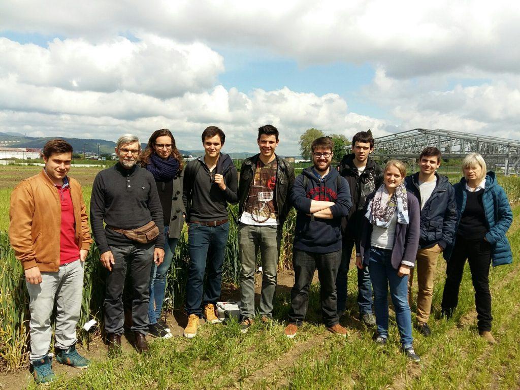 Groupe des ingénieurs agronomes de VetagroSup avec Gilles Charmet, coordinateur du projet, et Agnès Piquet, enseignante-chercheur